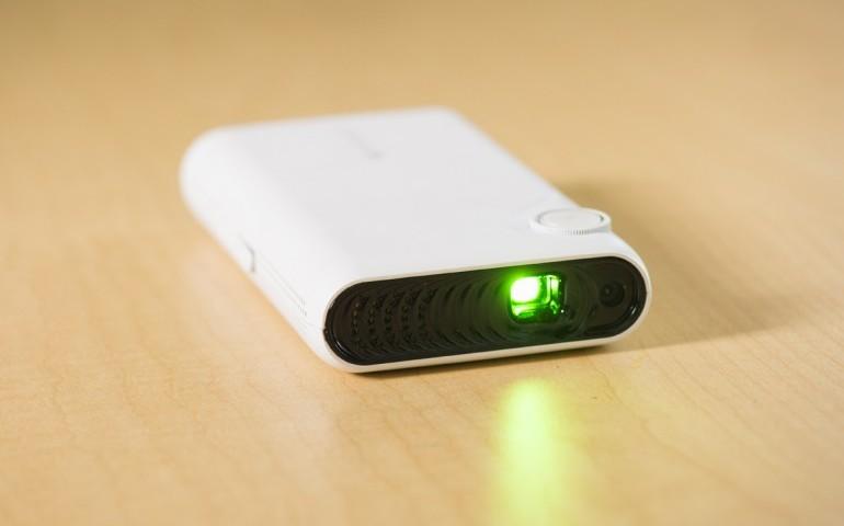 پروژکتور اندرویدی TouchPico قابل حمل و سازگار با گوشی ها و تبلت های اندرویدی