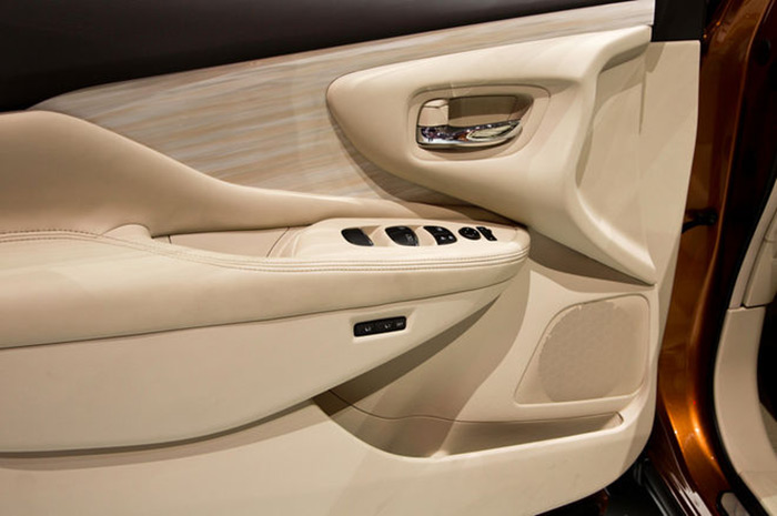 2015-nissan-murano-interior-door-panel_48b42