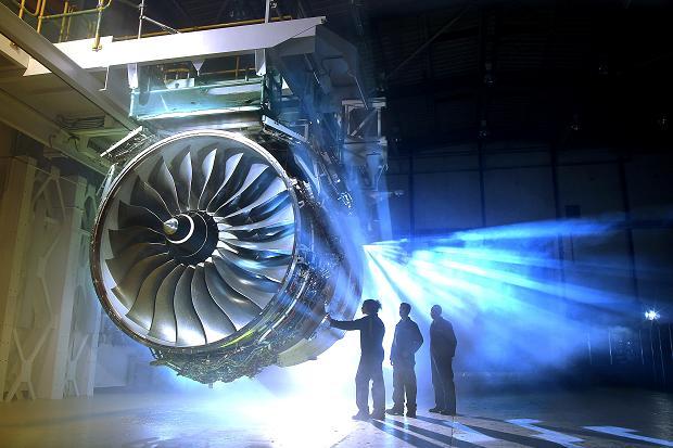 کمپانی رولز رویس سازنده موتورهای بزرگ و تجهیزات مهندسی متحمل ضرر ۵ میلیاردی شد