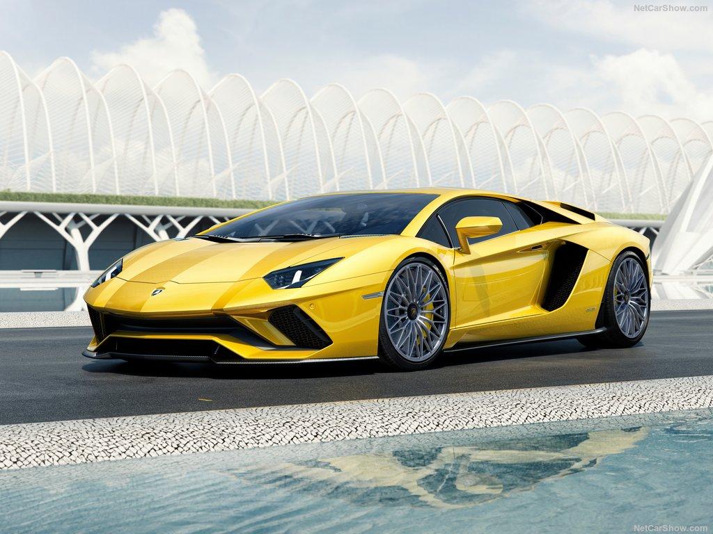 خودروی اسپرت لامبورگینی آونتادور S Lamborghini-Aventador_S (1)