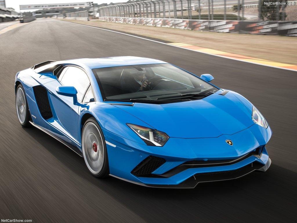 خودروی اسپرت لامبورگینی آونتادور S Lamborghini-Aventador_S (2)