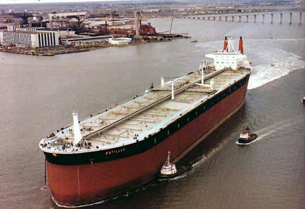 کشتی های غول پیکر نفت کش (1)