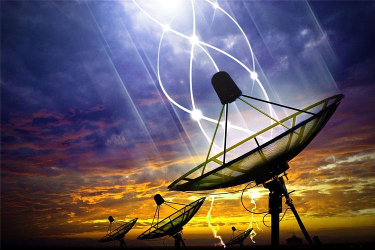 ستارهشناسان از دریافت سیگنالهایی را از یک ستاره در فاصله ۱۱ سال نوری خبر می دهند